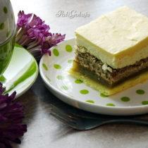 Ciasto z domową marmoladą jabłkową, kokosem i masą