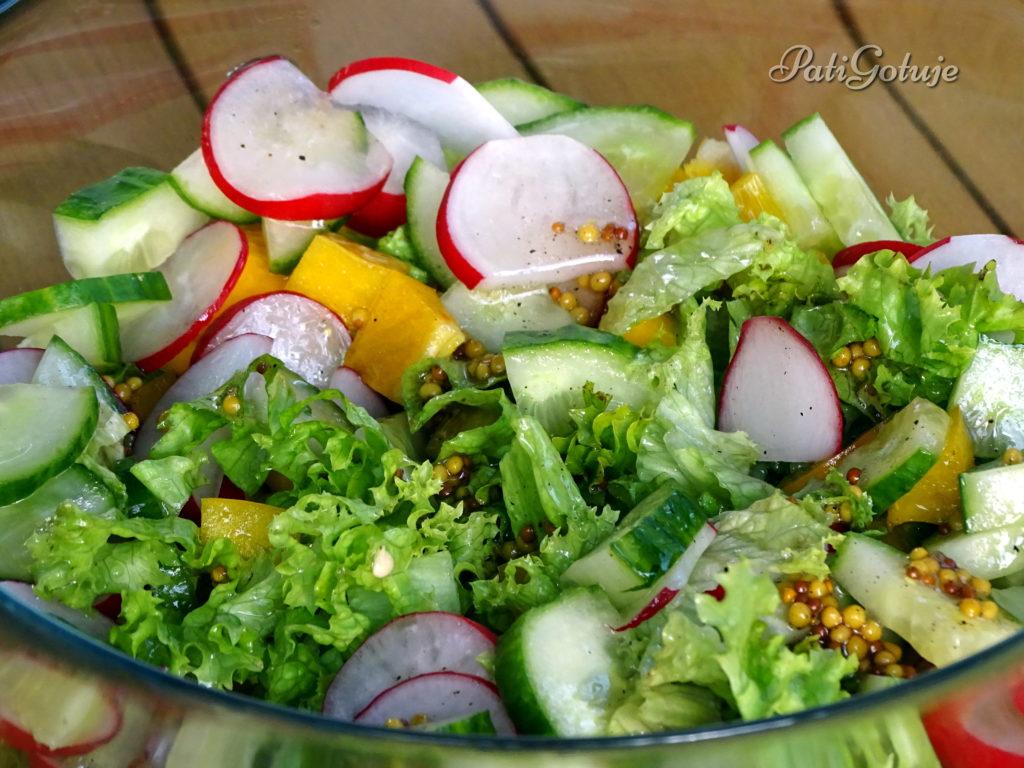 Kolorowa sałatka grillowa