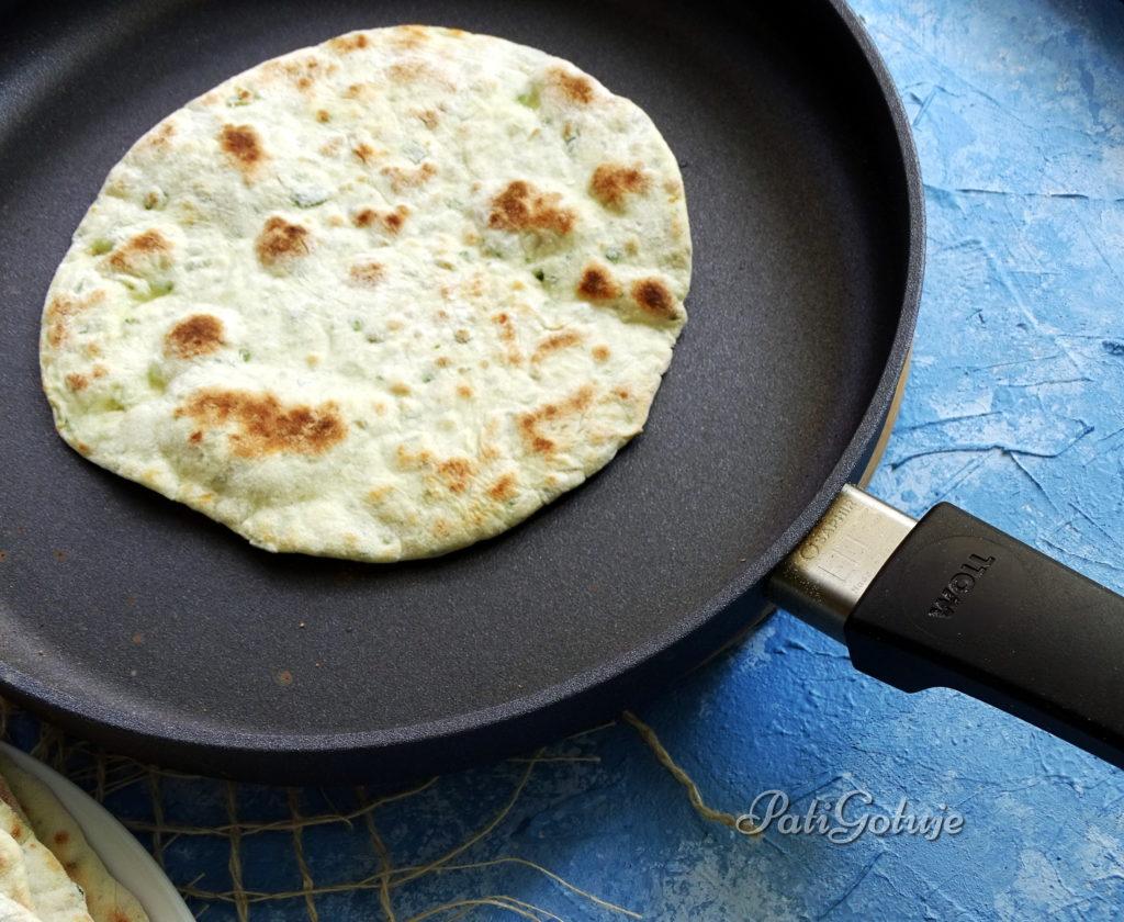 Chlebki flatbread na jogurcie