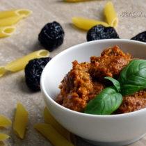 Czerwone pesto z suszonych pomidorów i śliwek