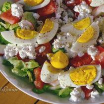 Sałatka z jajkiem i serkiem wiejskim
