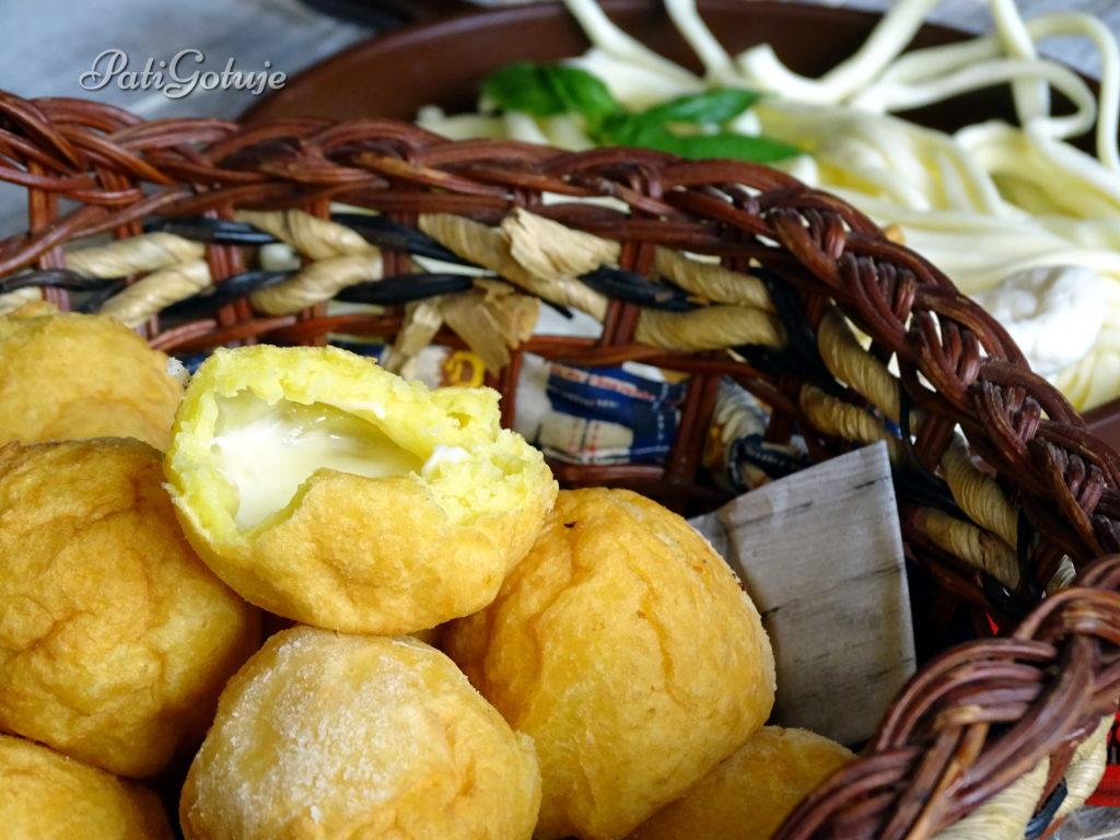 Pączki ziemniaczane z korbaczem