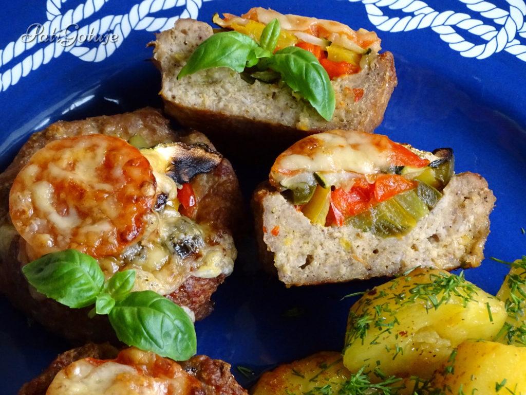 Koszyczki z mielonego mięsa z warzywami