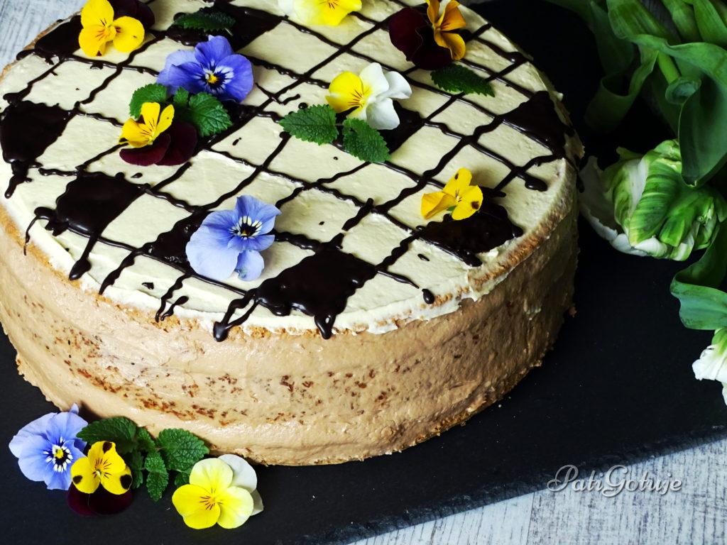 Tort z kokosową wkładką i masą budyniową